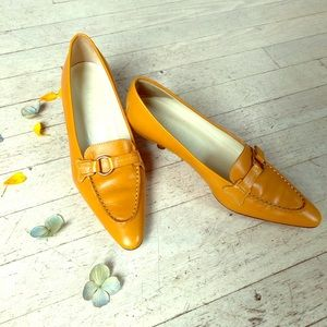 Yellow Tod's heels